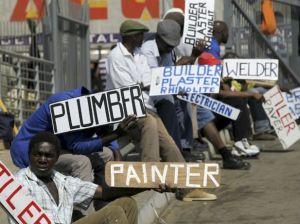 """""""In 2013 was meeste van die werkloos jong mense onder 30, swart mans, wat woon in die stedelike gedeeltes van Gauteng en nie volledige hoërskool opleiding het nie""""."""